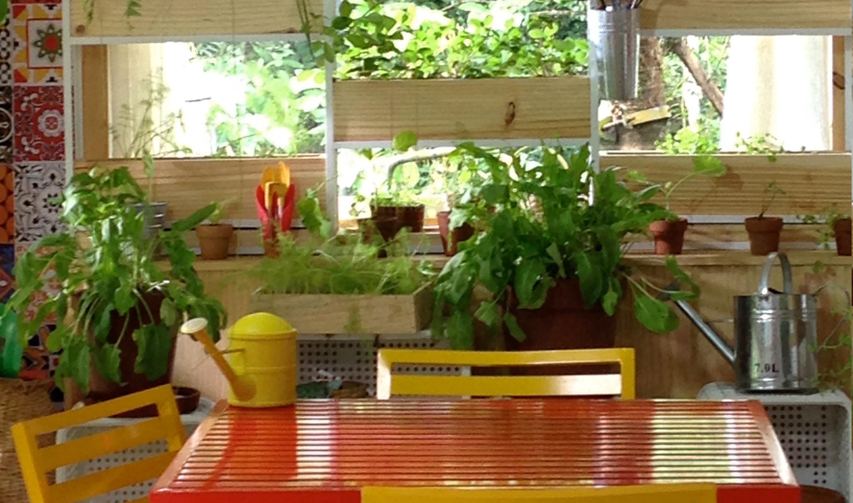 Bela Cozinha Paisagismo Comest Vel Conrado Squadrito E  ~ Horta De Temperos Na Cozinha